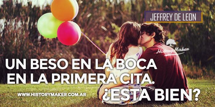 Un-beso-en-la-boca-en-la-primera-cita.-Jeffrey-De-Leon