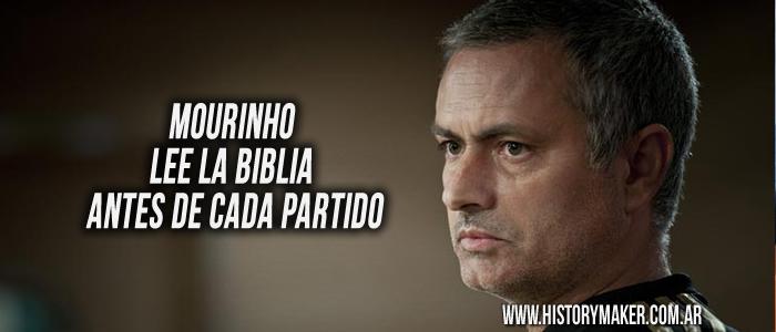 Mourinho lee la Biblia antes de cada partido