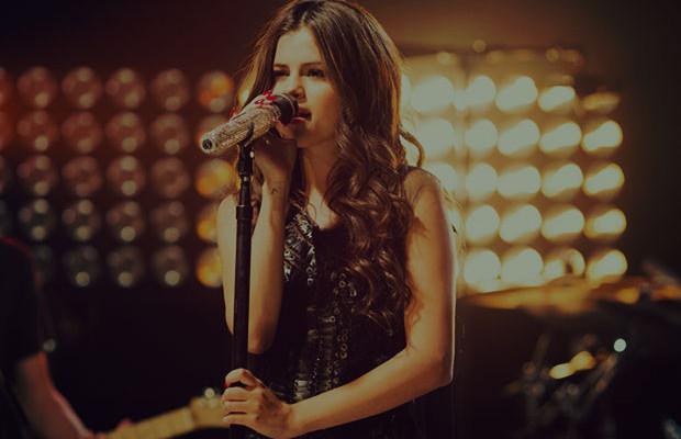 Selena-Gómez-se-congrega-Iglesia-Hillsong