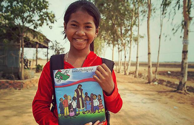Niña-de-13-años-predica-en-los-pueblos-de-Camboya