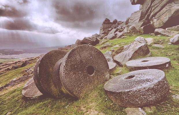 Amontonando-las-piedras-de-molino