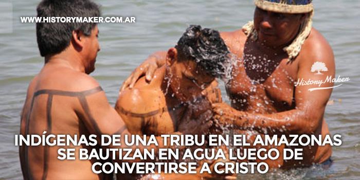 Indígenas-de-una-tribu-en-el-amazonas-se-bautizan-en-agua-luego-de-convertirse-a-Cristo